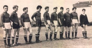 футбольная команда г.Оханск Геннадий Соколов -справа крайний (1)