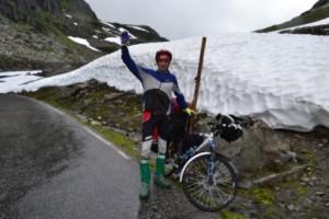 снег и велосипедJPG